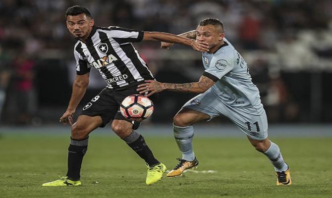 Botafogo y Gremio disputando el paso a las semifinales de la Libertadores 2017