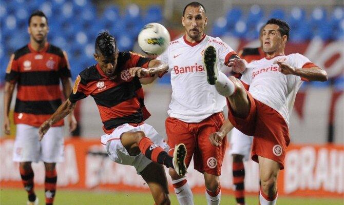 Flamego e Inter, disputando a muerte cada balón