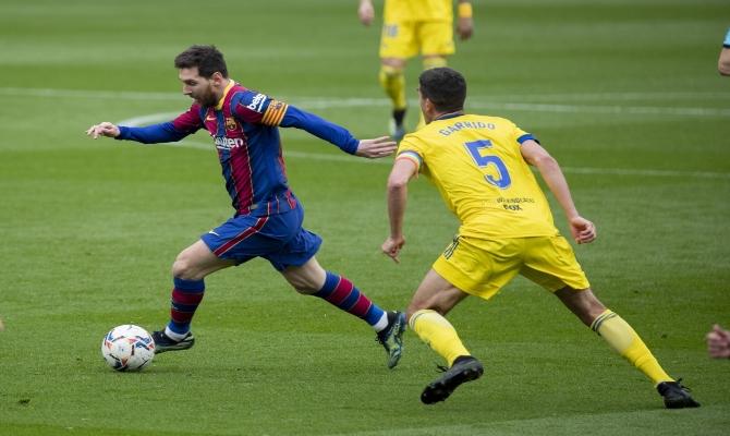 Lio Messi quiere seguir anotando a su víctima preferida en este Sevilla vs Barcelona