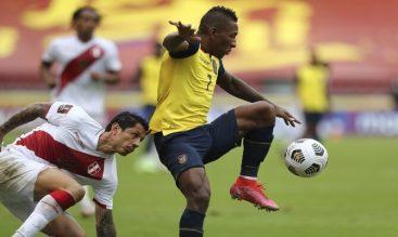 Lucha por el balón en la imagen. Cuotas para el Colombia vs Ecuador, primera jornada Copa América